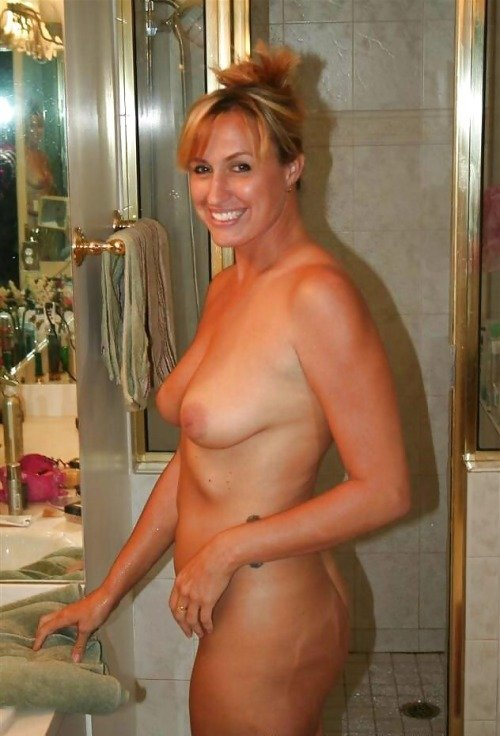 hot busty wife pics