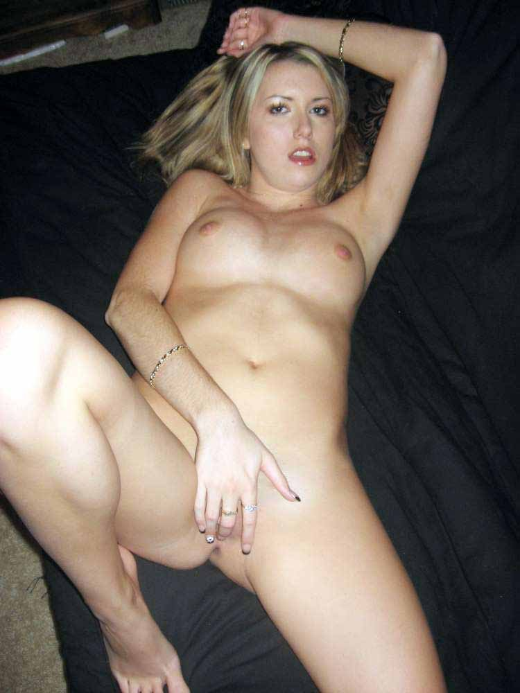 mom hot nude