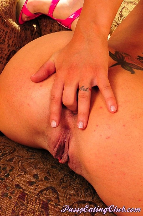 lesbian very hot porn there