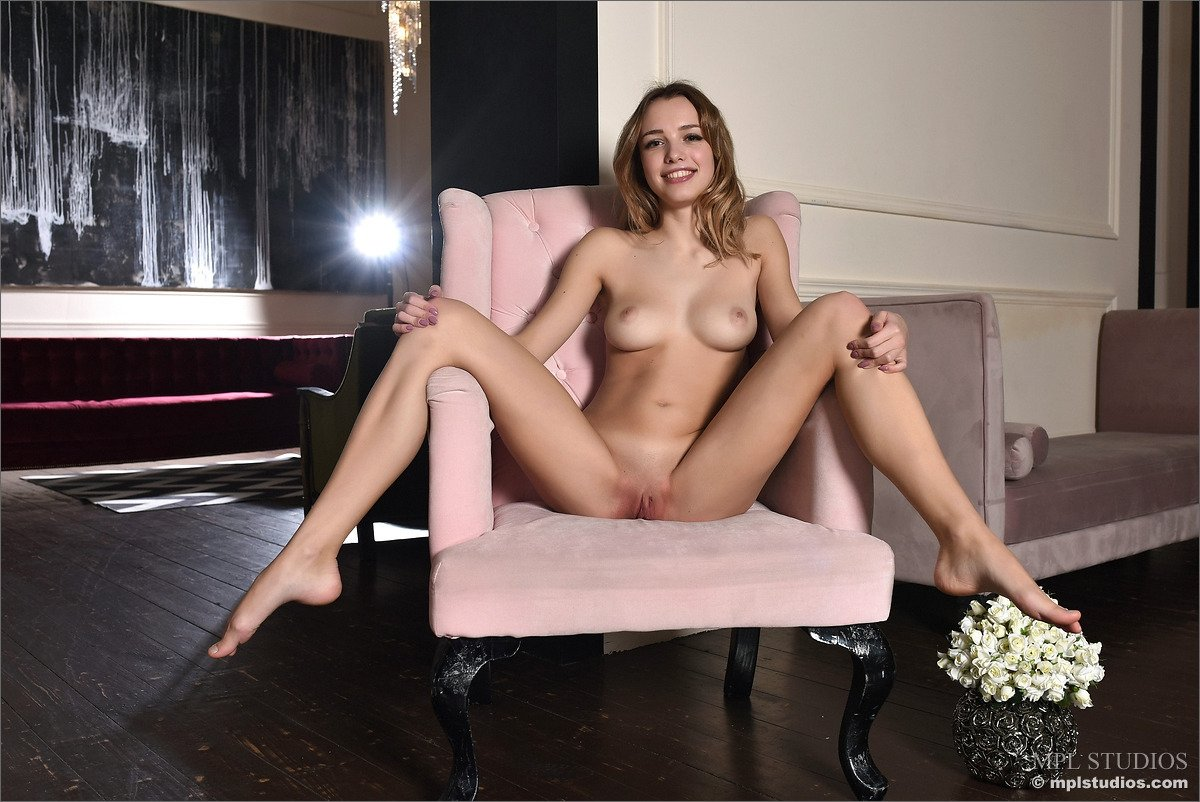 Mona Lee pisses through her pantyhose there
