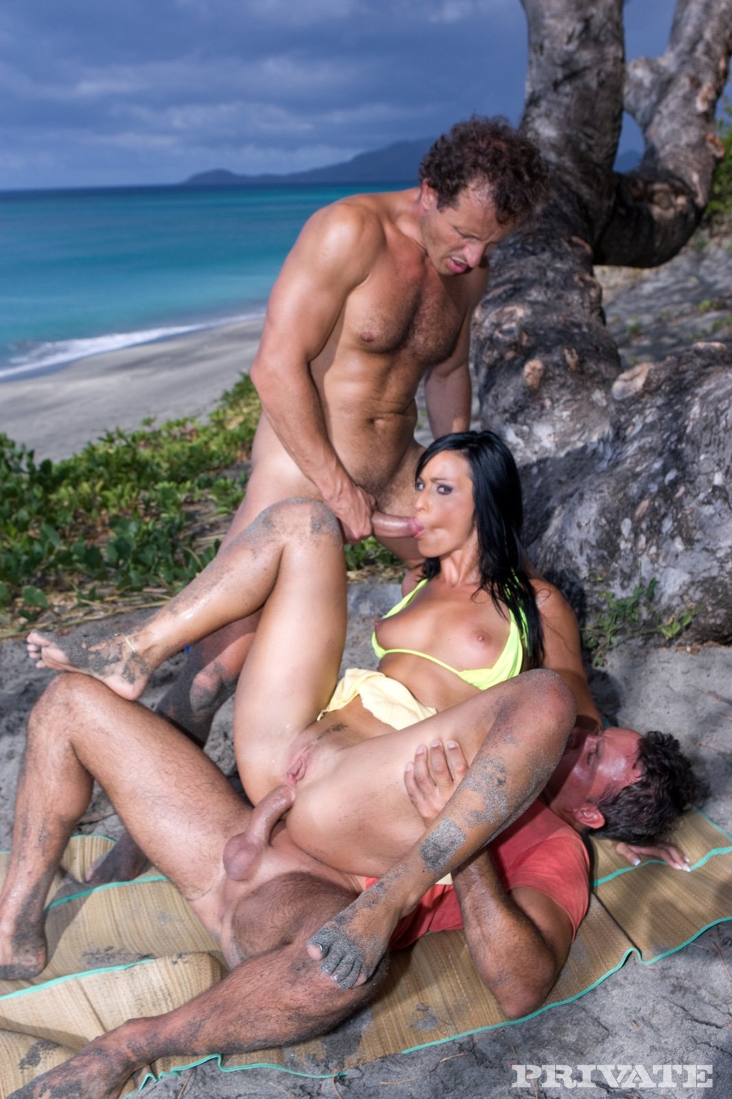 erotic nikki tubes sex in the beach nude