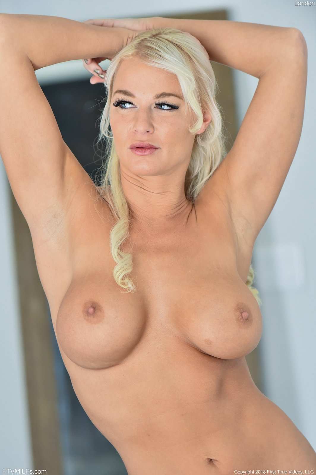 free hot blonde porn videos there