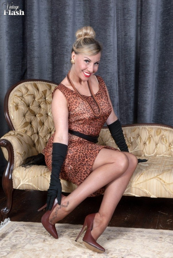 Urinary diabetic test strips Demure darling is riding on men dick ferociously