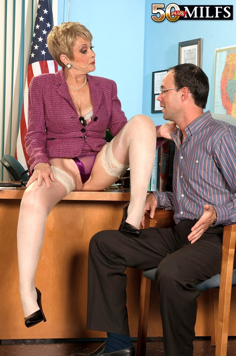 free spanking mature add photo