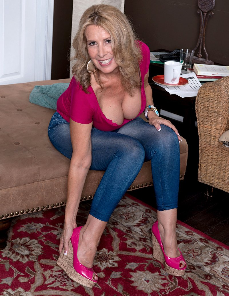 free mature casting videos there