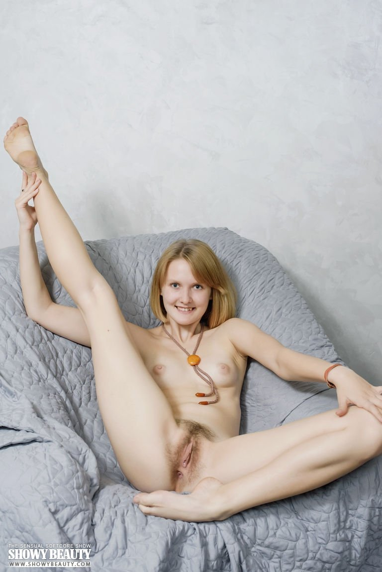 Nude picture posting swinger #1