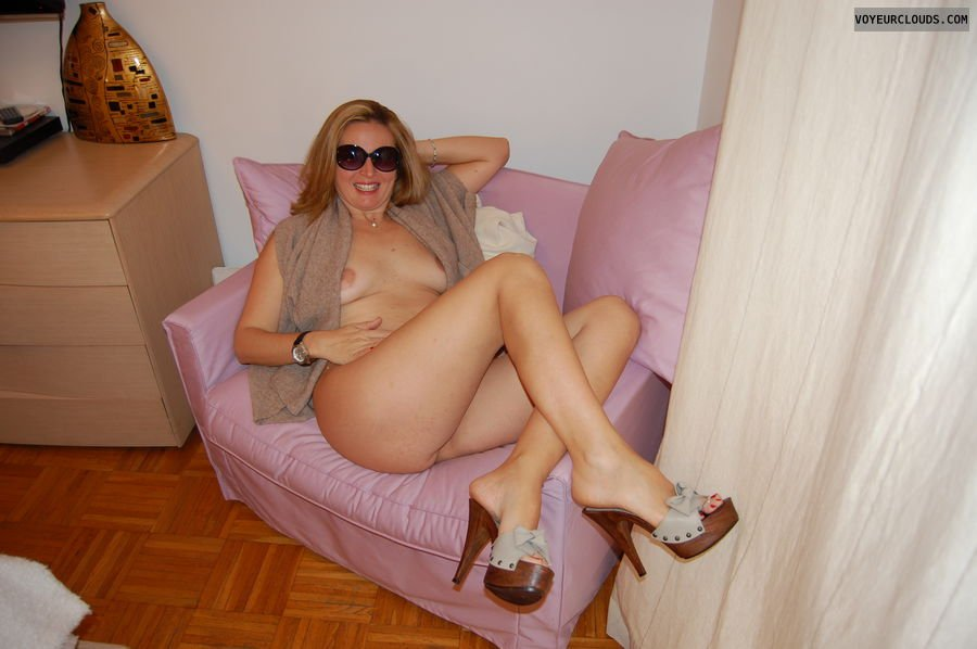Hot amateur milfs 2 Gay nudist beaches in languedoc