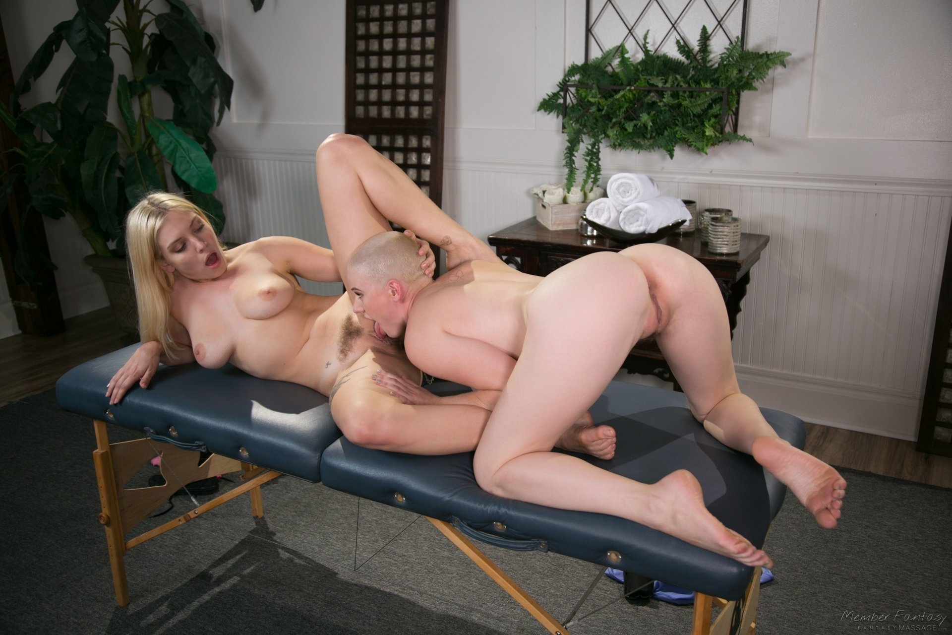 Amateur wife first strange cock