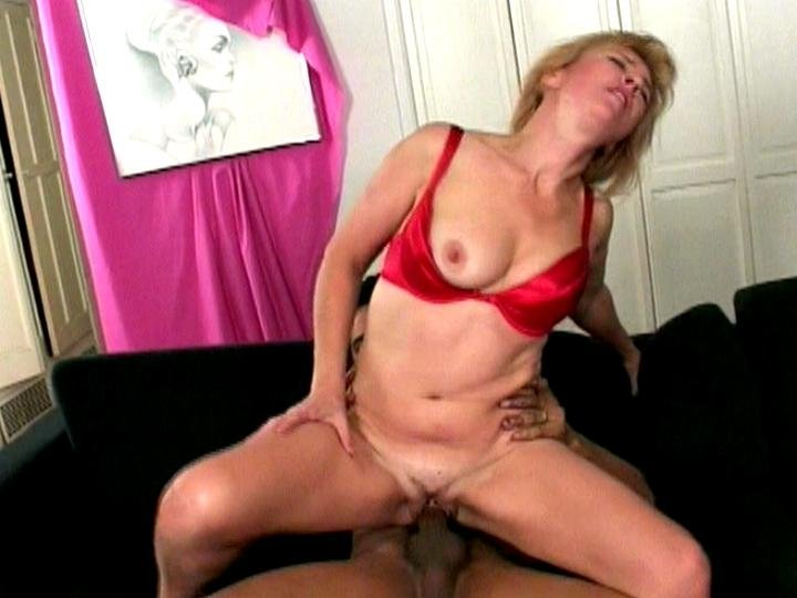 Housewife sexy nude Spycam daddy toilet