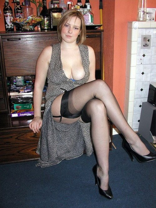 mature small breasted women