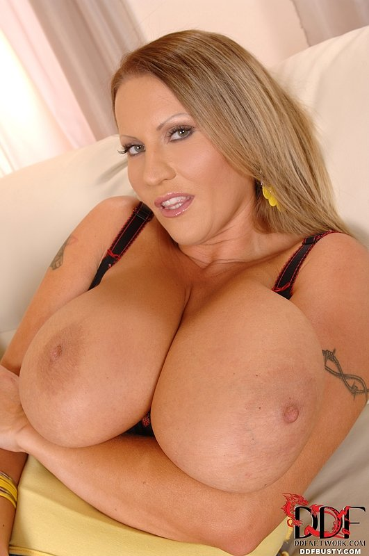 Swinger amature milf video trials sexy big tits tube