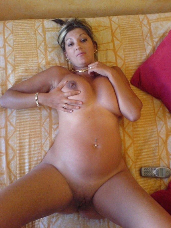 Amature home nude photo