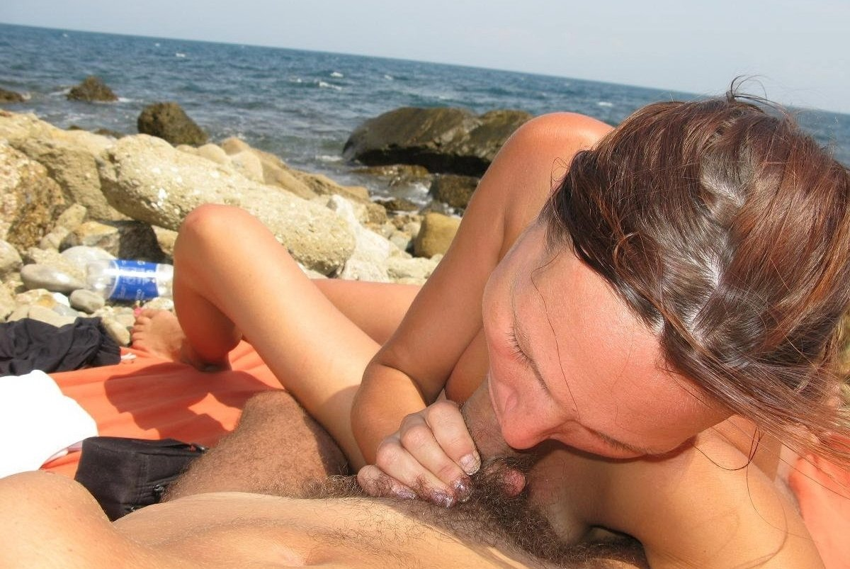 Bb gunns nude Italian amateur car nude sex in the beach