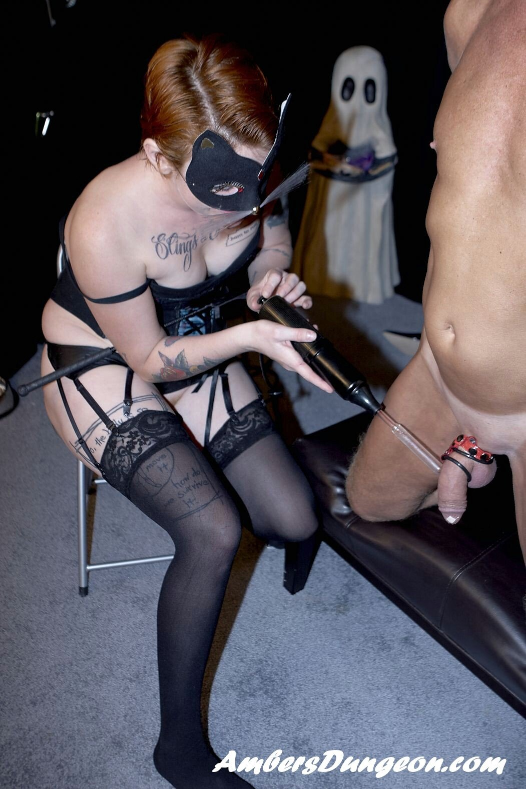 mistress whipping slave video there