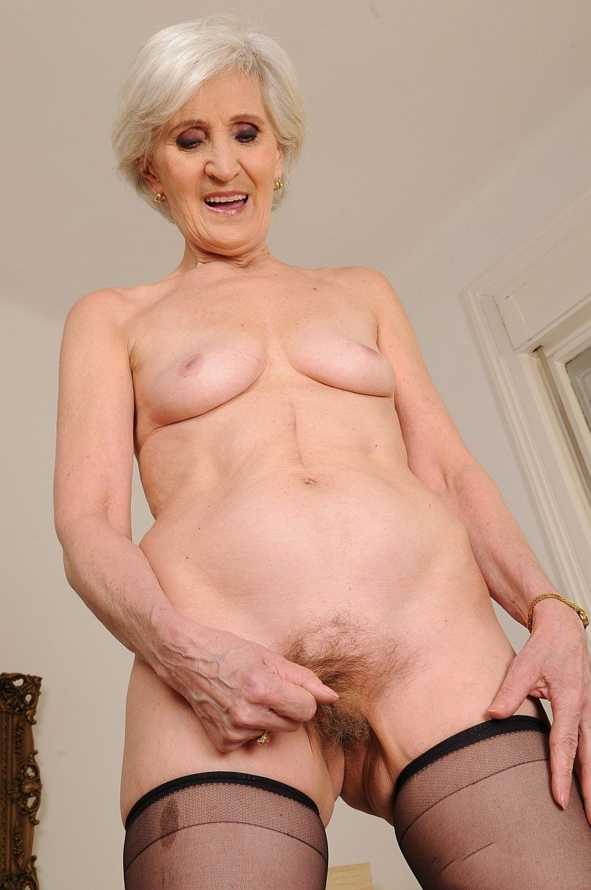 Girls having athletic granny pussy