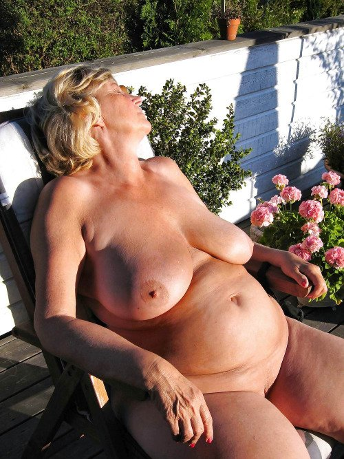 mature small titts