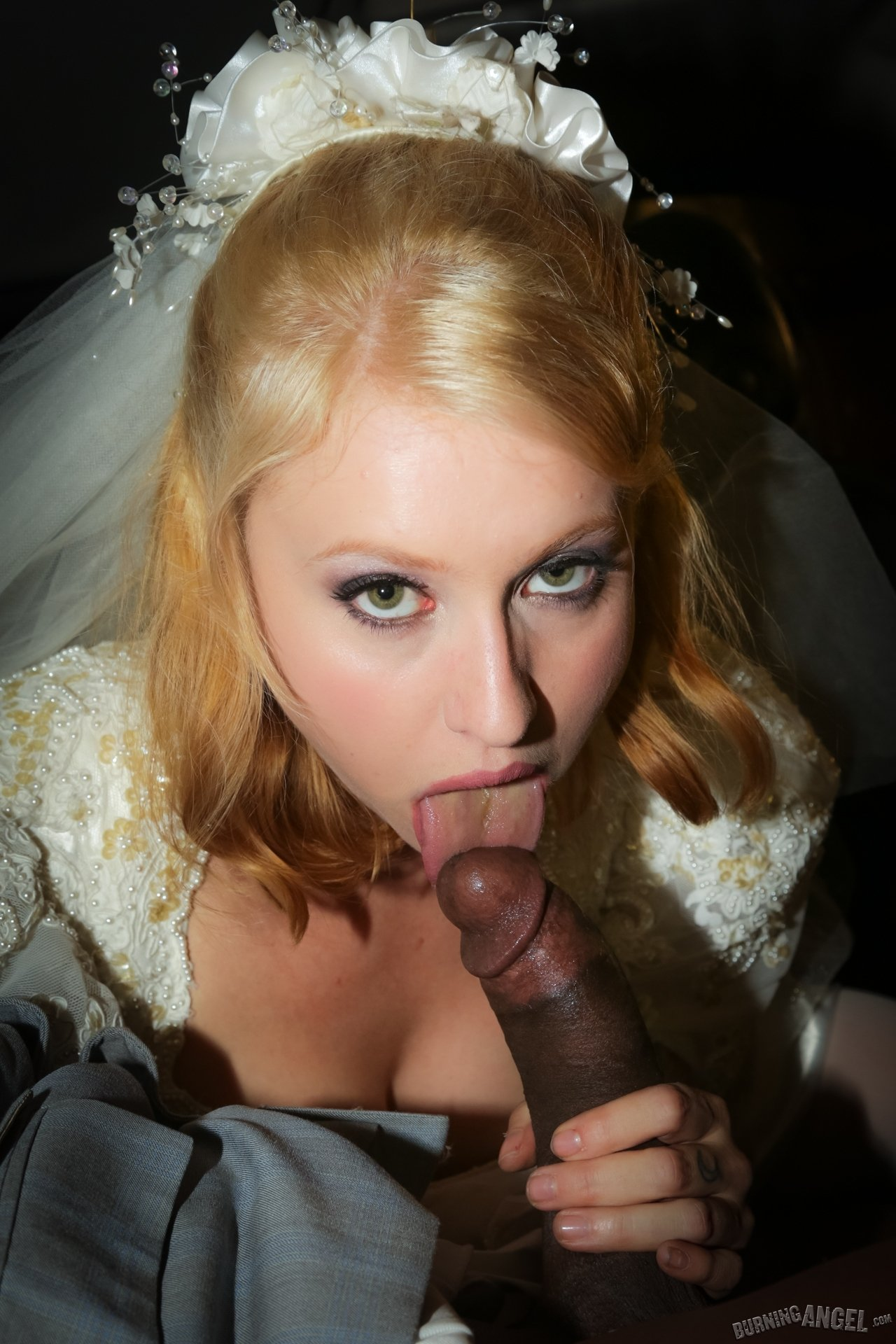 Wedding blowjob