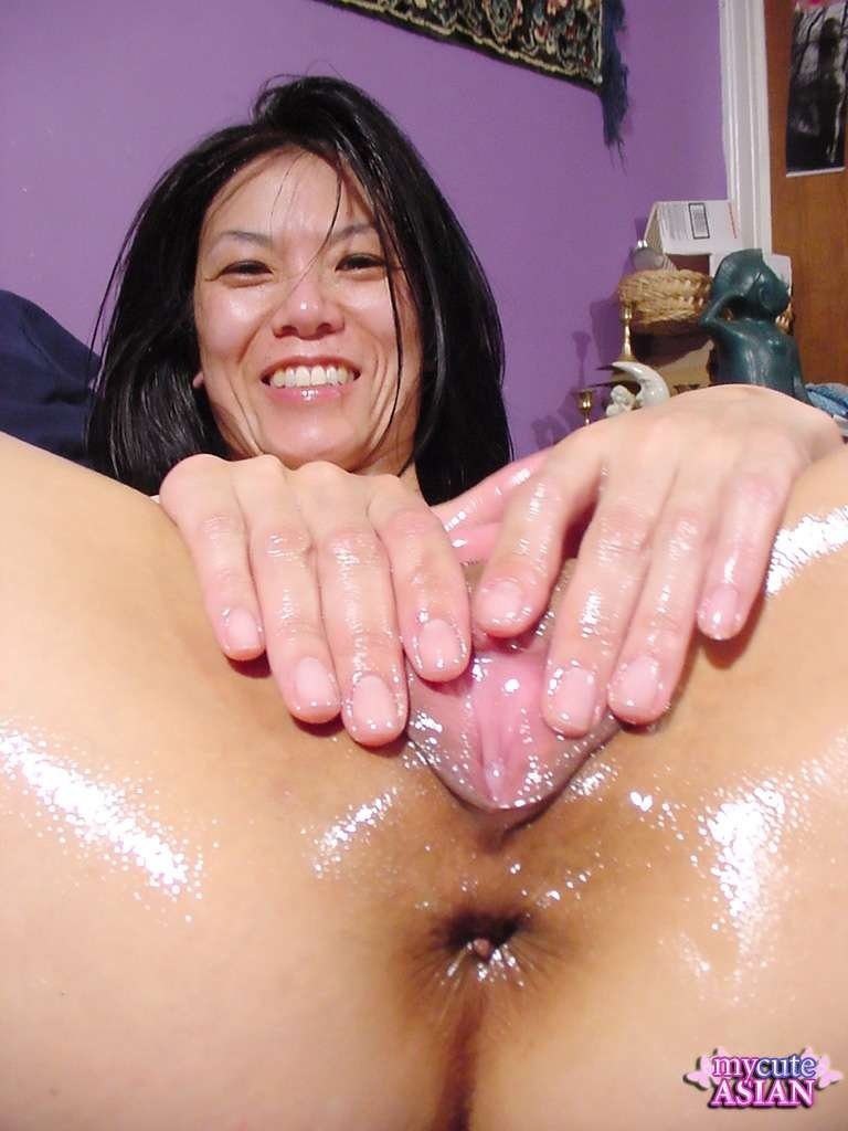 Malay girls finger in her pussy