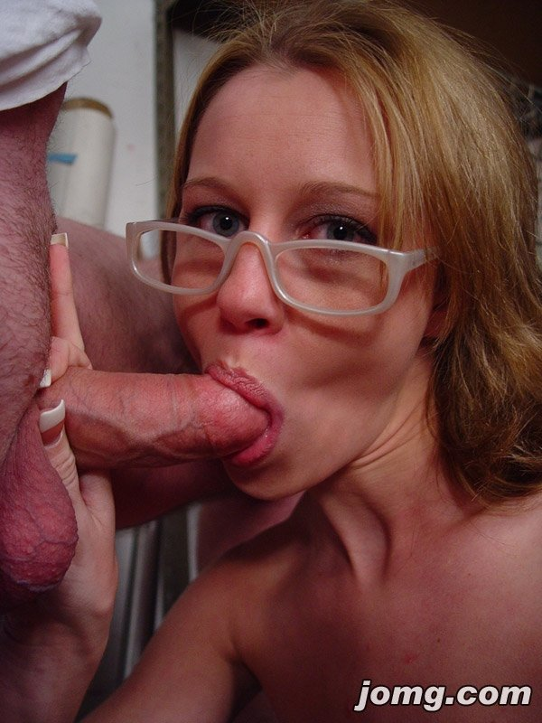 He tied blindfolds wife