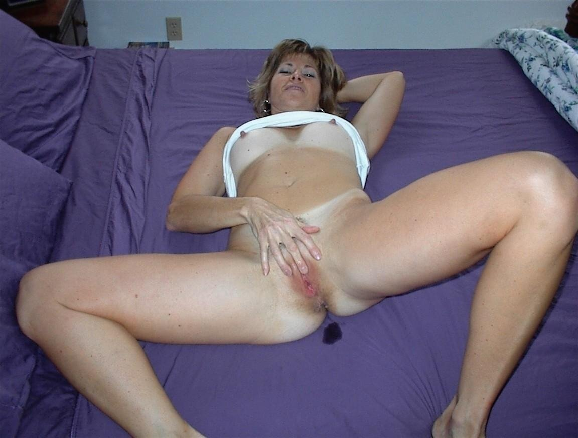 Amateur naked older woman