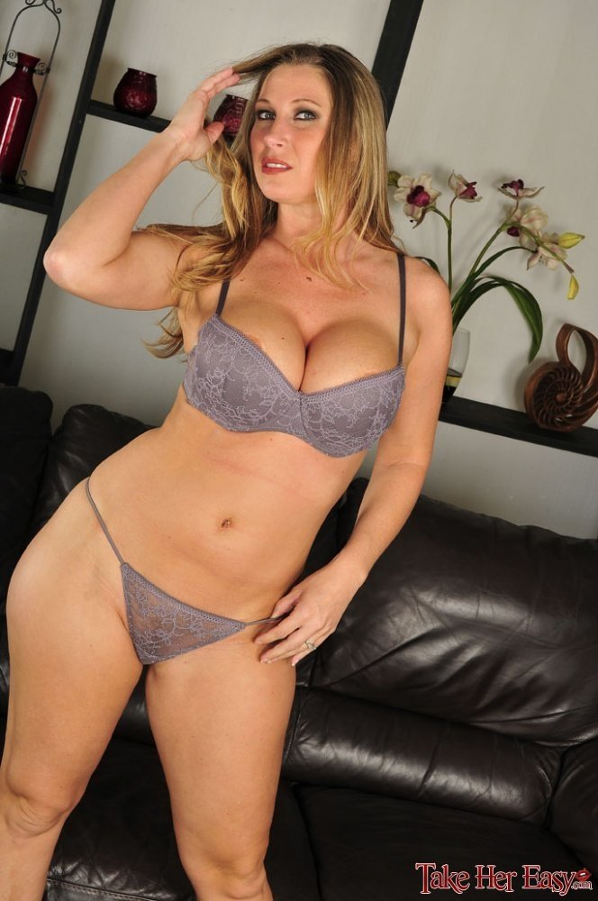 hot milf hd movies there