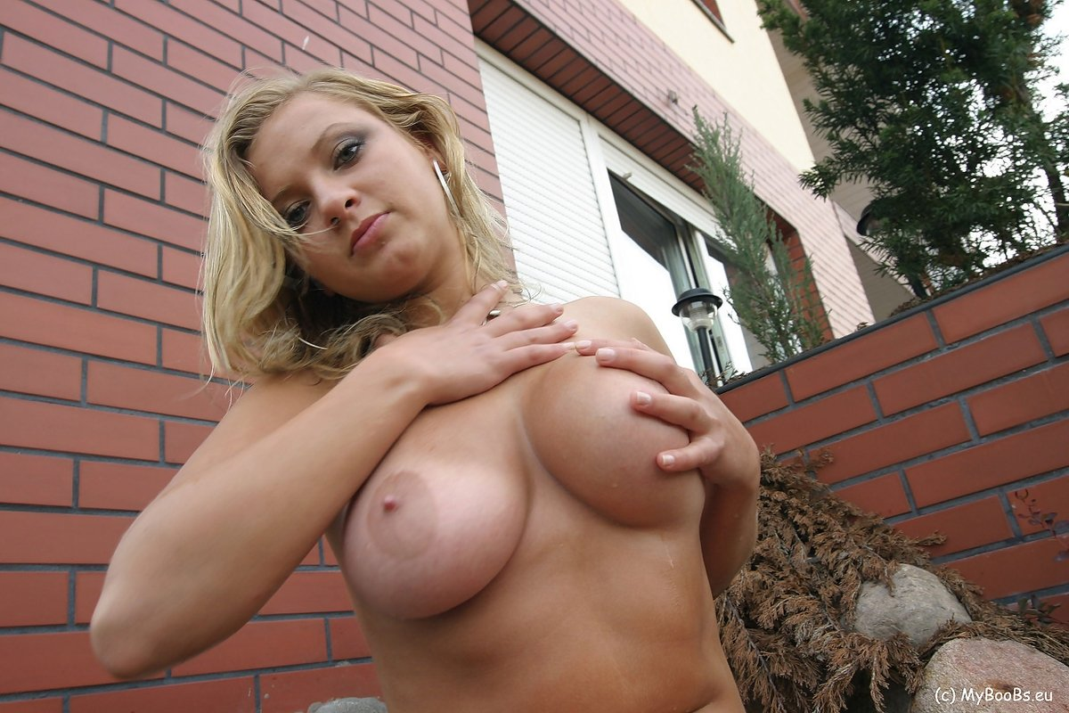 Hot and sexy girls porn pics Blonde east european amateur