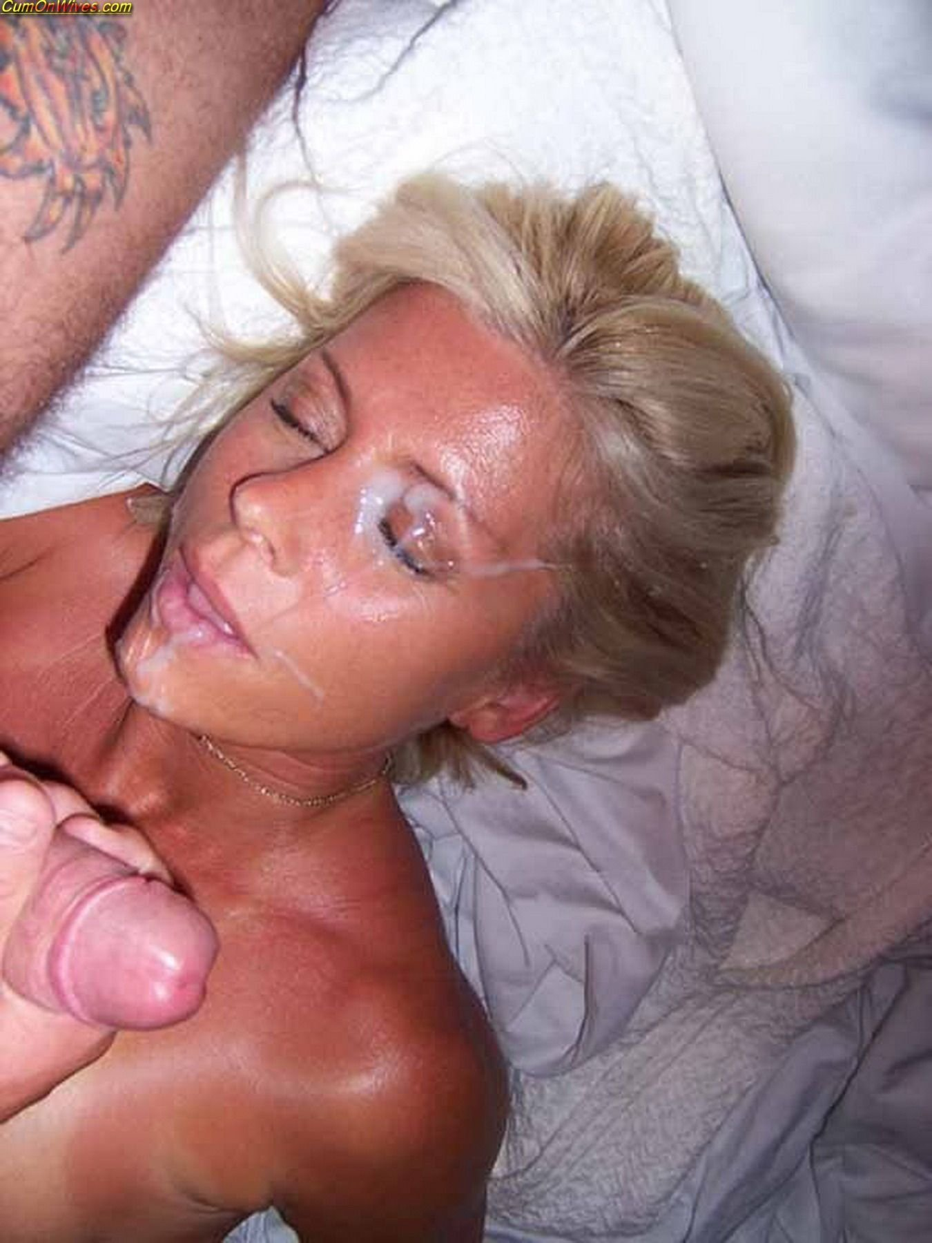 Amatuer wife swallows two cocks milf on top tumblr