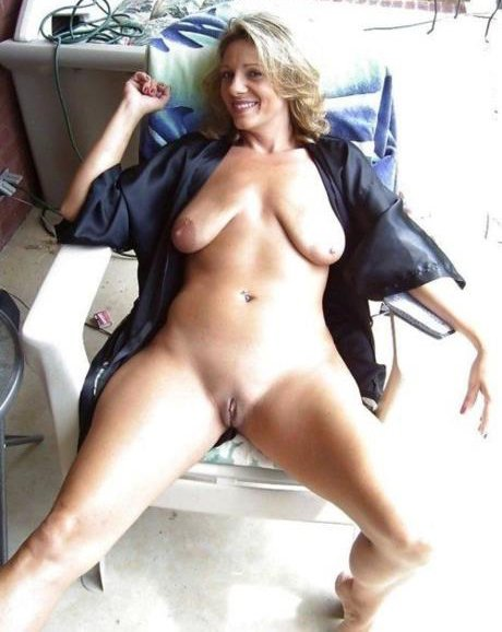 mature women with no panties there