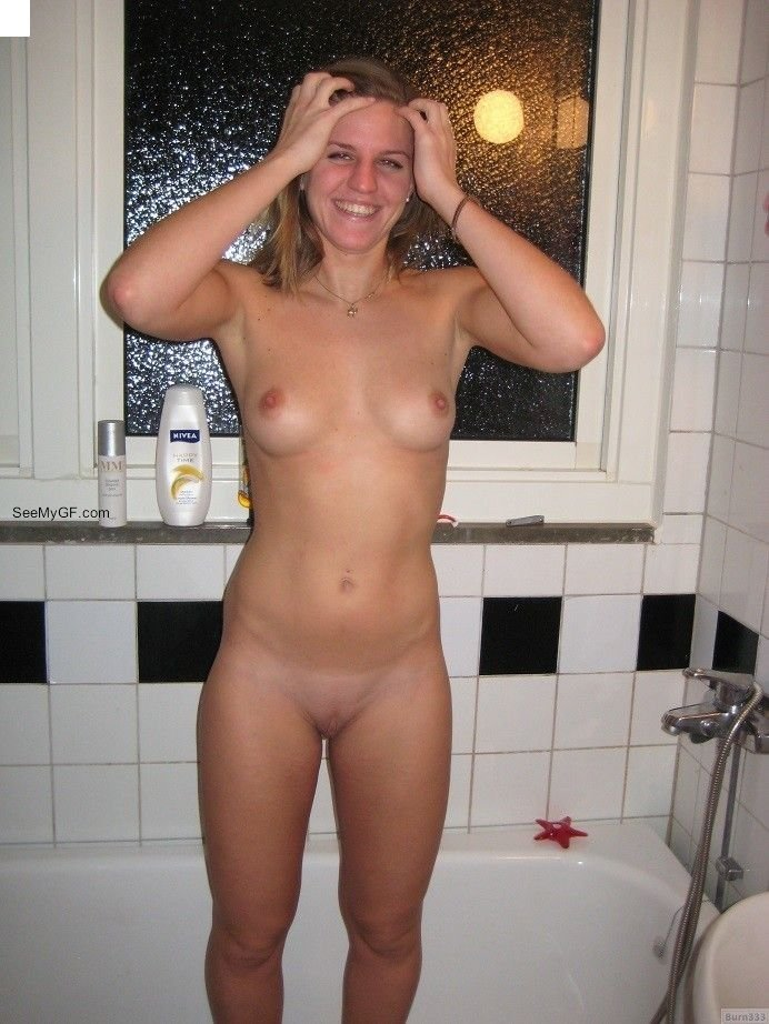 naked amateur home blonde
