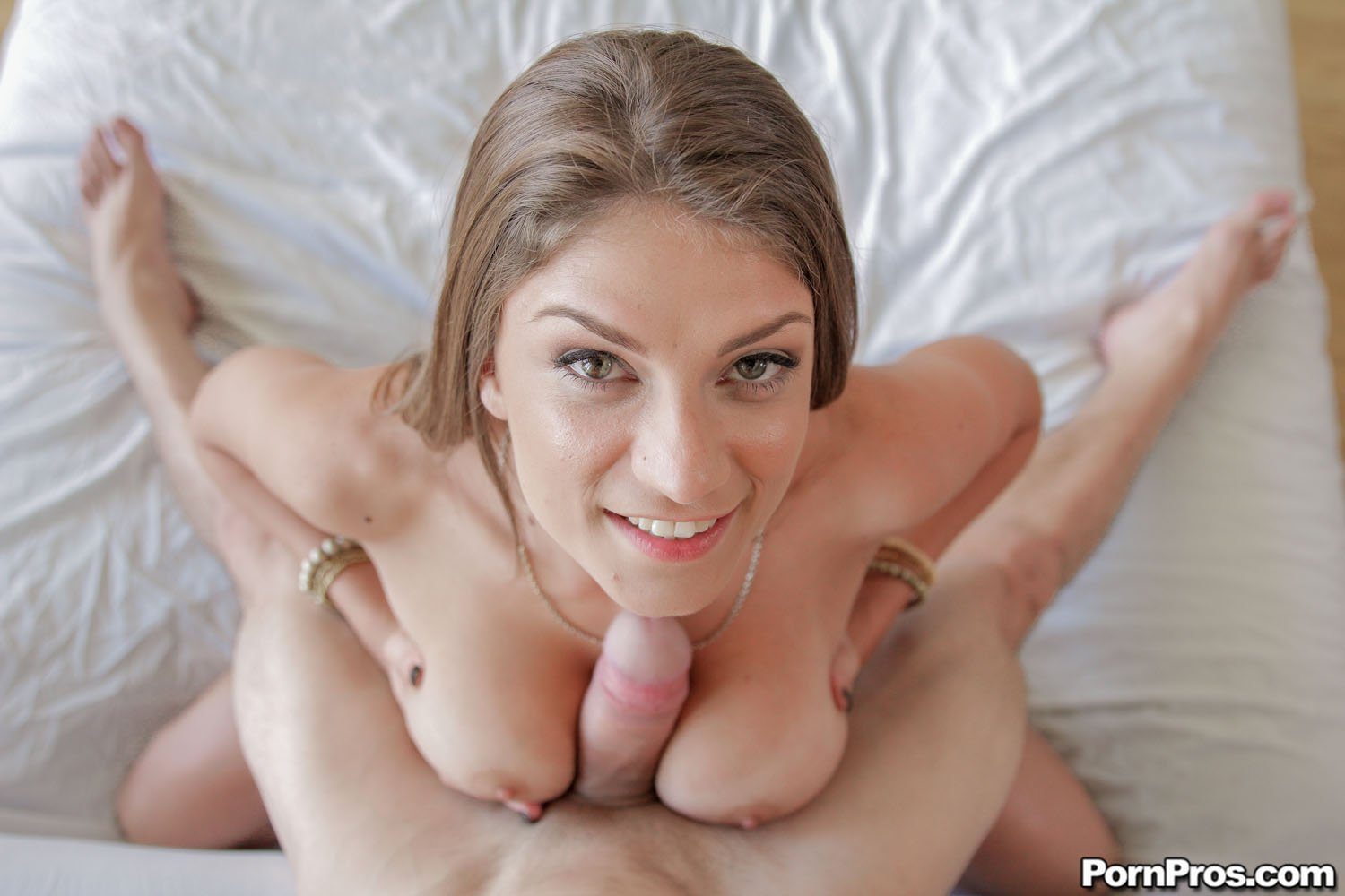 Pretty hooker gets her enchanting shaved wet crack licked and sucks