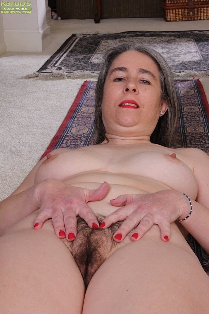 fat girl sucks small dick