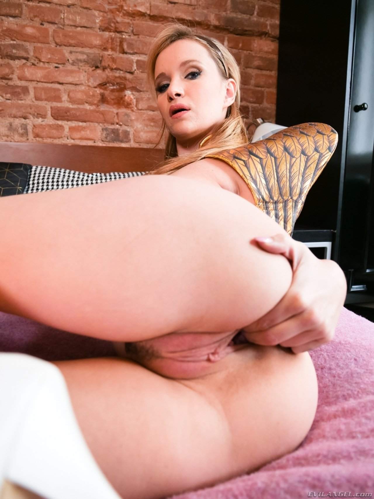Hot wife fuck in taxi