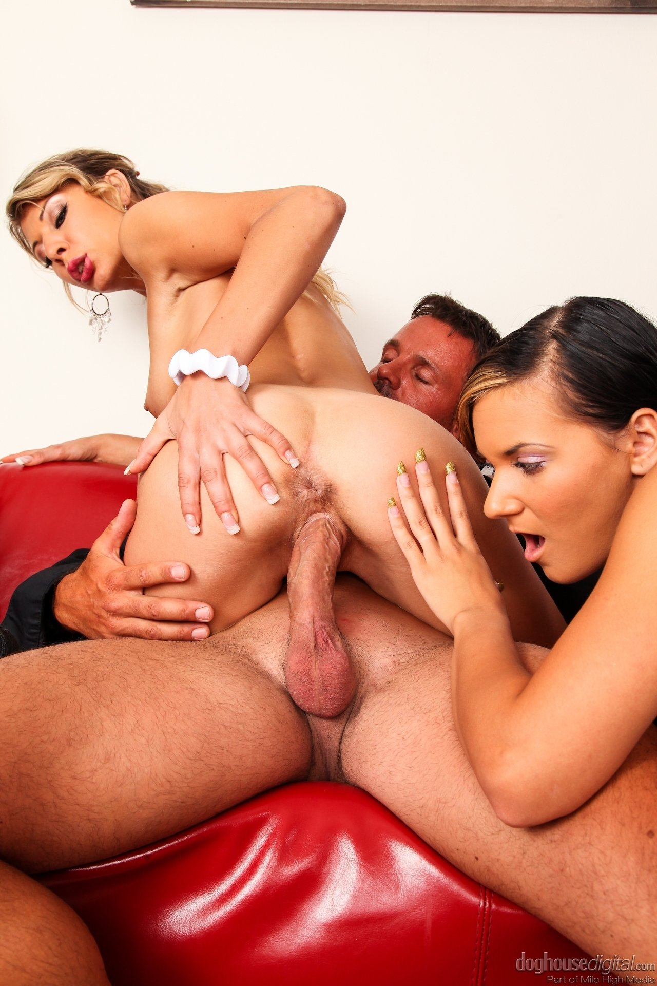 Blow interracial job shemale