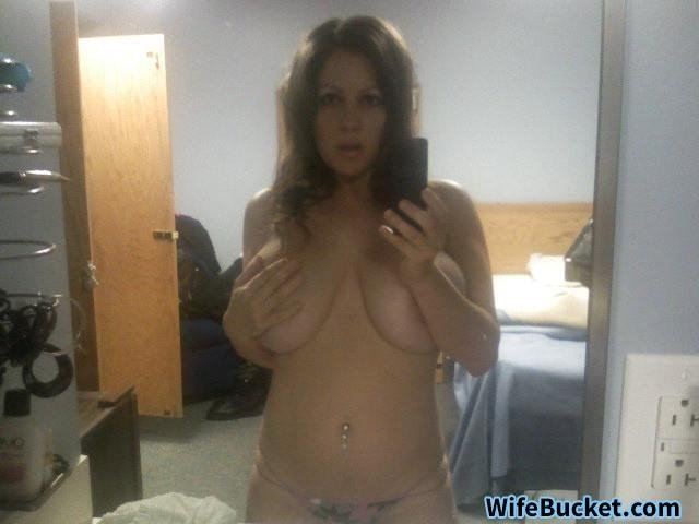sexy naked lesbians