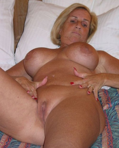 Amatuer mature wife shared #12