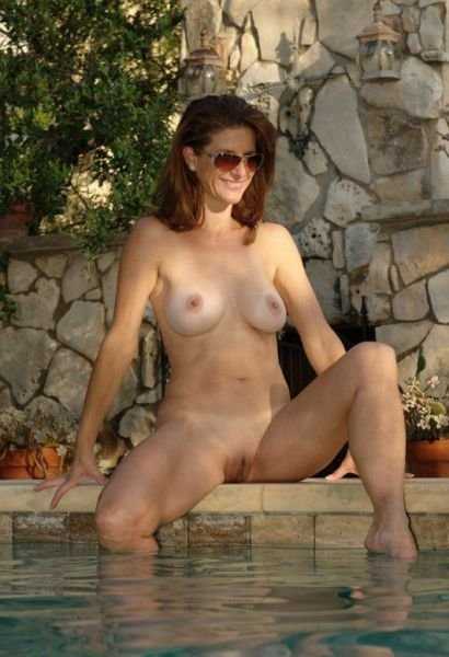 Amateur wife strips for friends #8