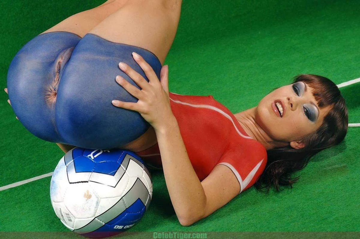 young-girl-with-football-in-pussy-young-villeg-girls