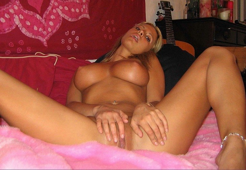 Public wife showing