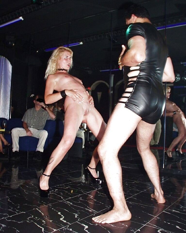 swinger club milf