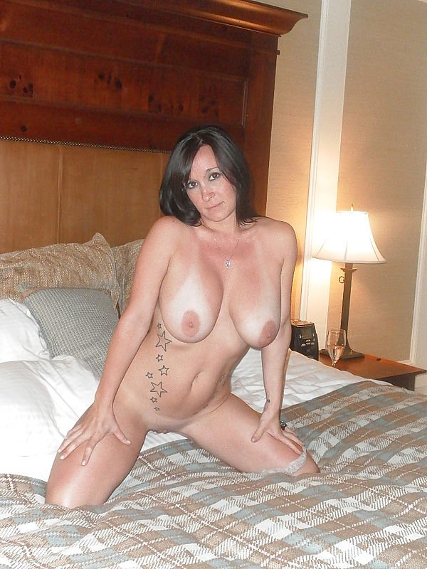 cheating milf hotel add photo