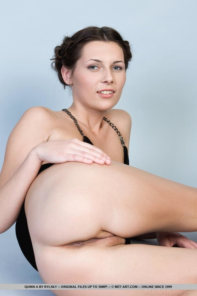 Forcing sister wife female clit stimulation