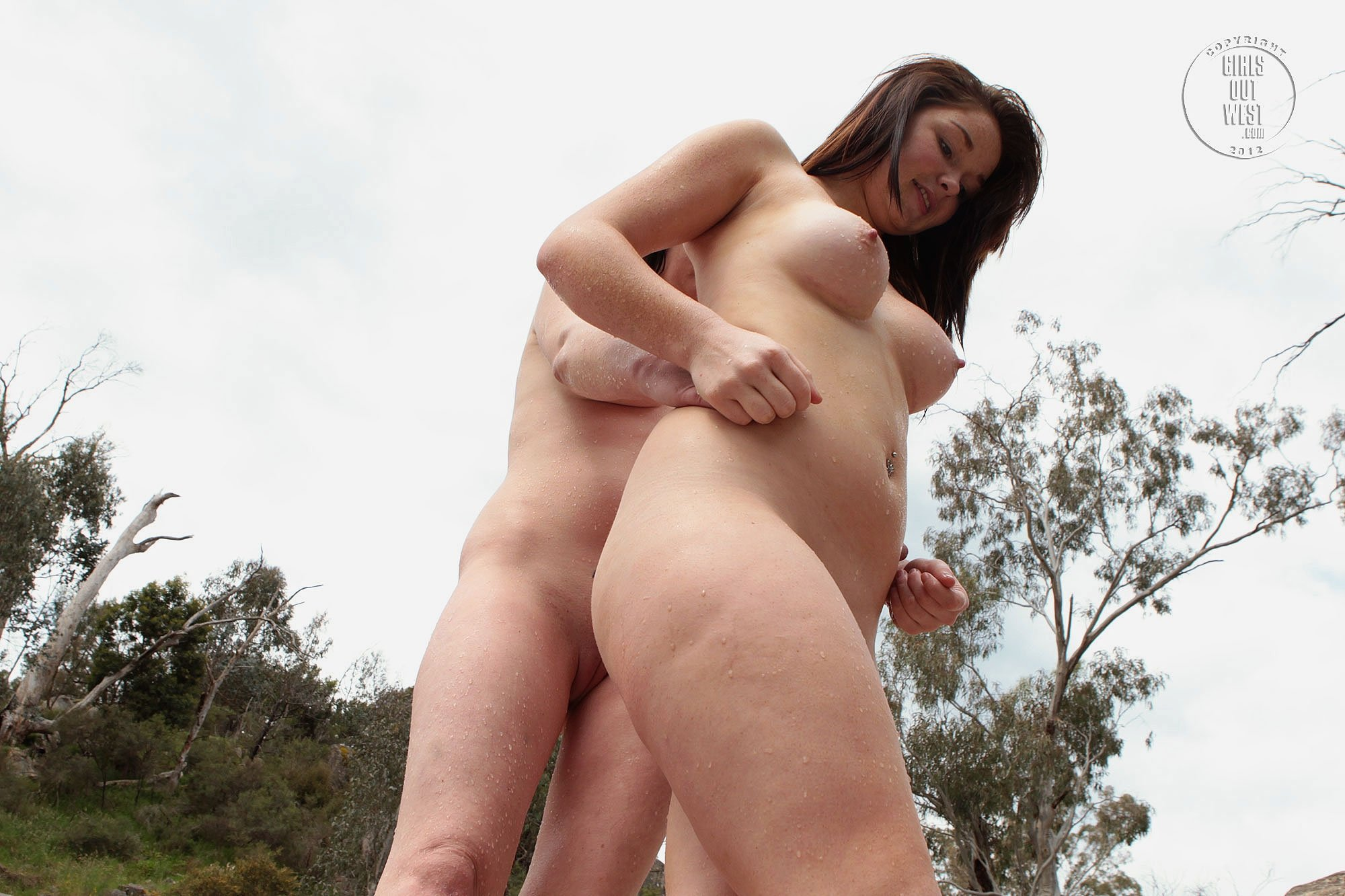couples having sex outdoors
