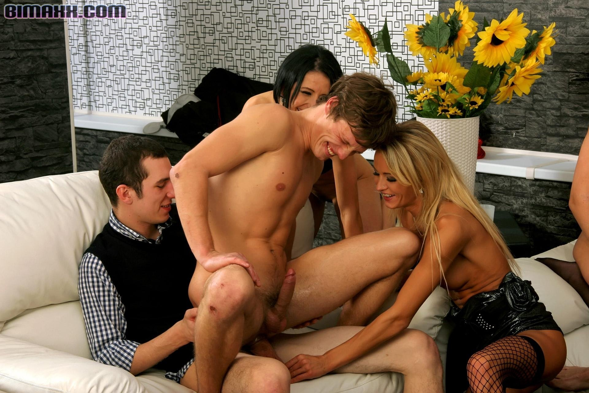 sex-gay-long-bisexual-tube-caught-having-sex