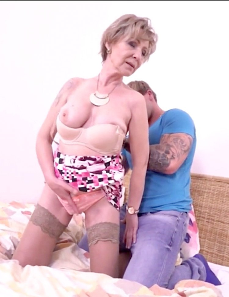 Mature hard anal sex best dog dildo