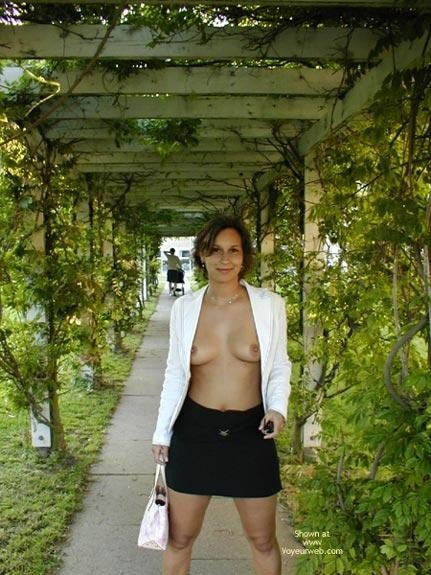 Free milf picture galleries Pam rodrigez nude Fenrd sex my wife