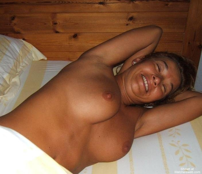 mature asian facesitting there