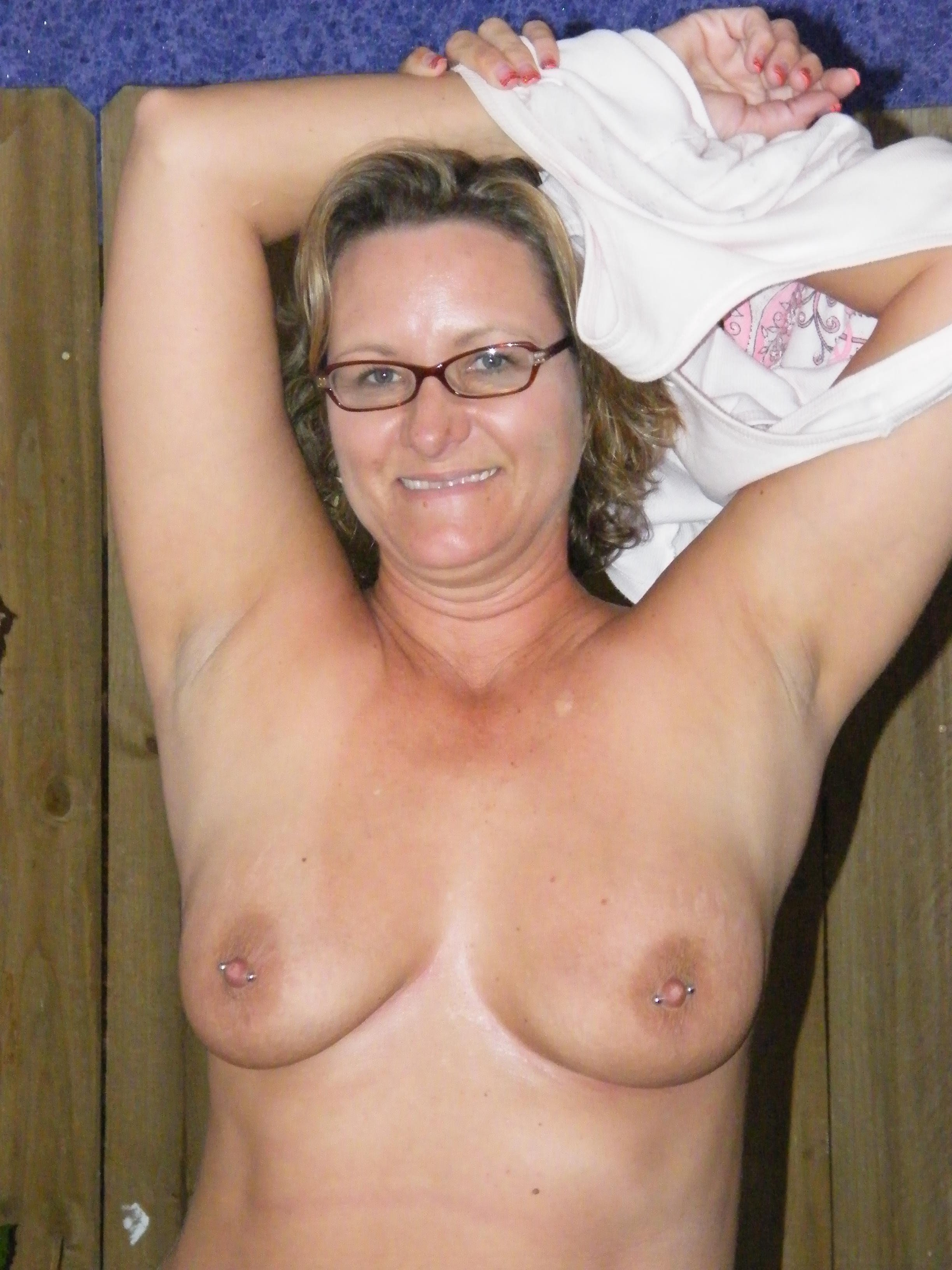 mature dressed and undressed pics