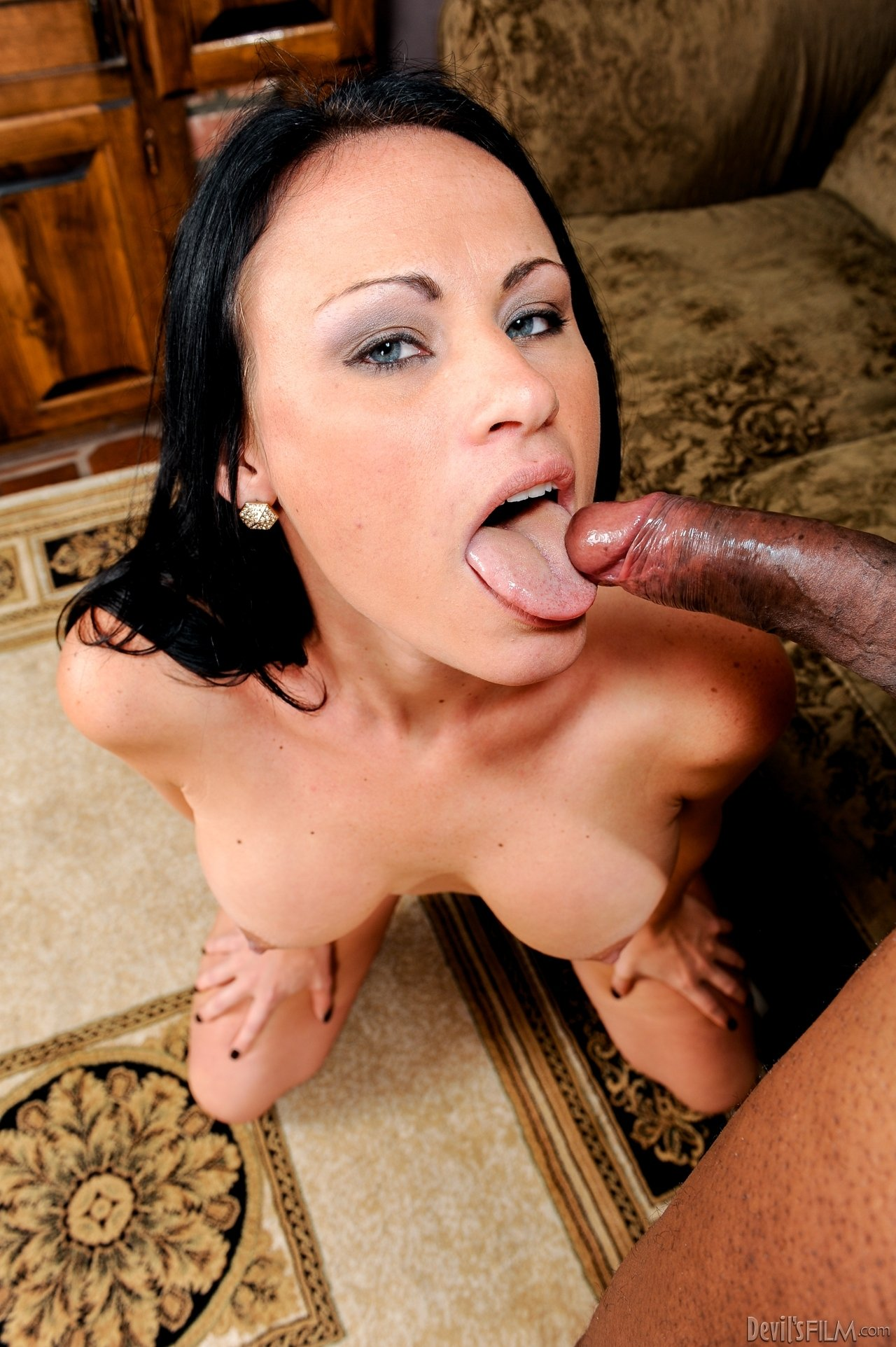 Busty darling gets wet crack and face pissing from two studs