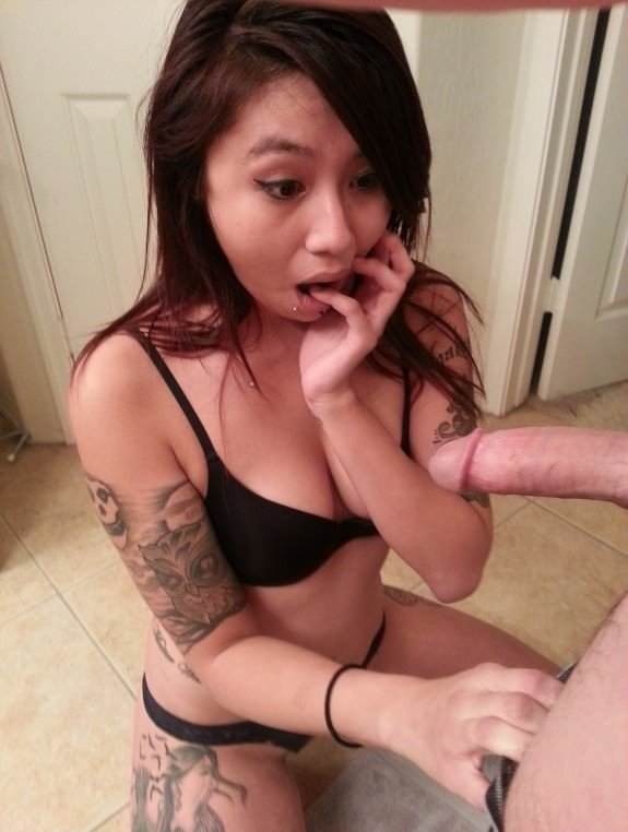Hot Asian Teen Shocked To See Dick - Niao-5778