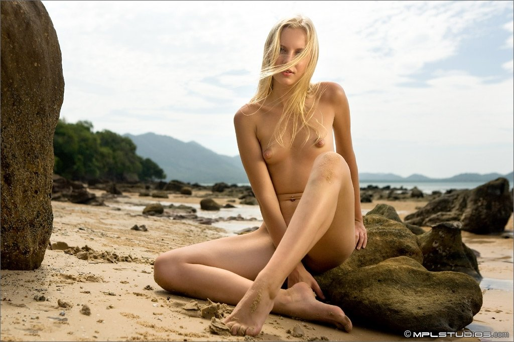nude women beach sex there